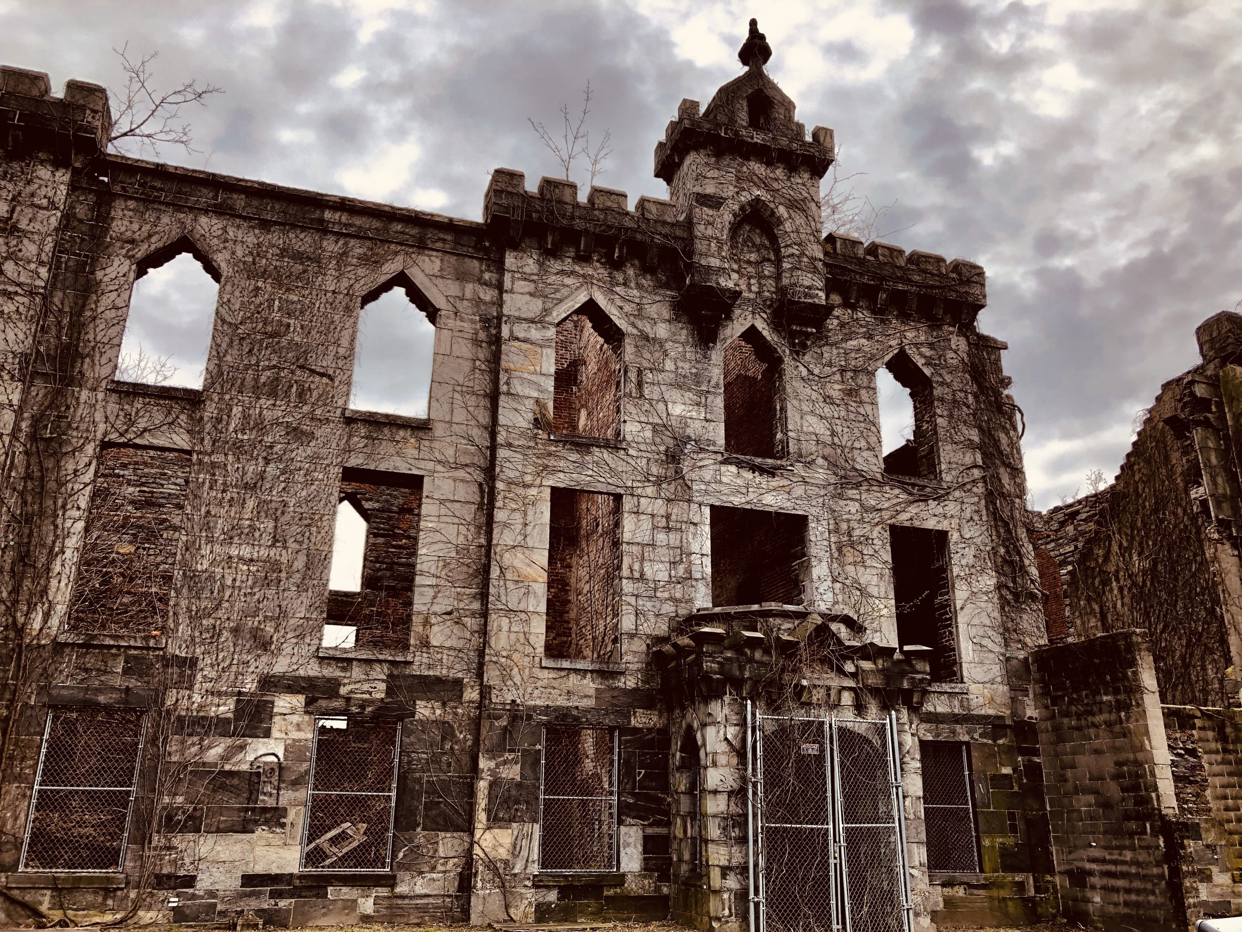 The Renwick Smallpox Hospital on Roosevelt Island in April 2019. No filters were used, just natural lighting of the sun