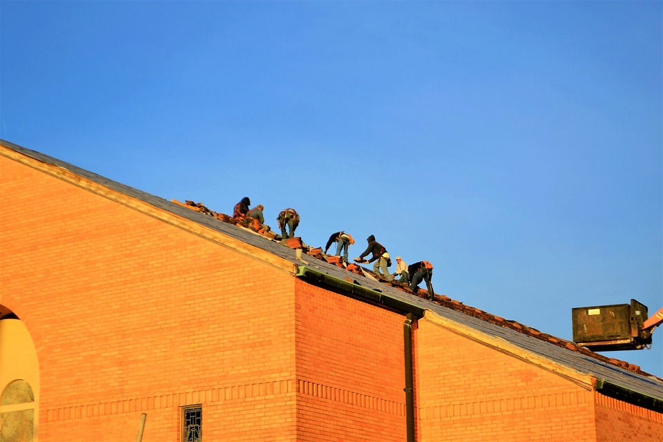 Ensuring safety and precaution during commercial roofing work