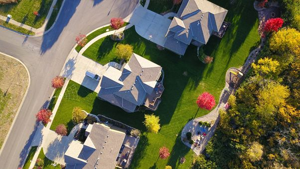 What Is a 100% Commission Split? How Real Estate Commission Splits Work